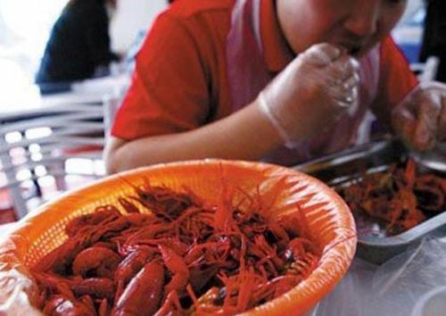 小龙虾清洗全过程